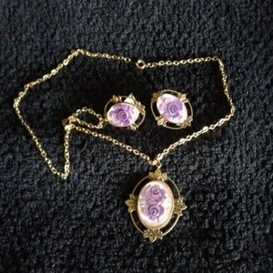 Jewelry - *Vintage* Necklace & Earrings (clip on)